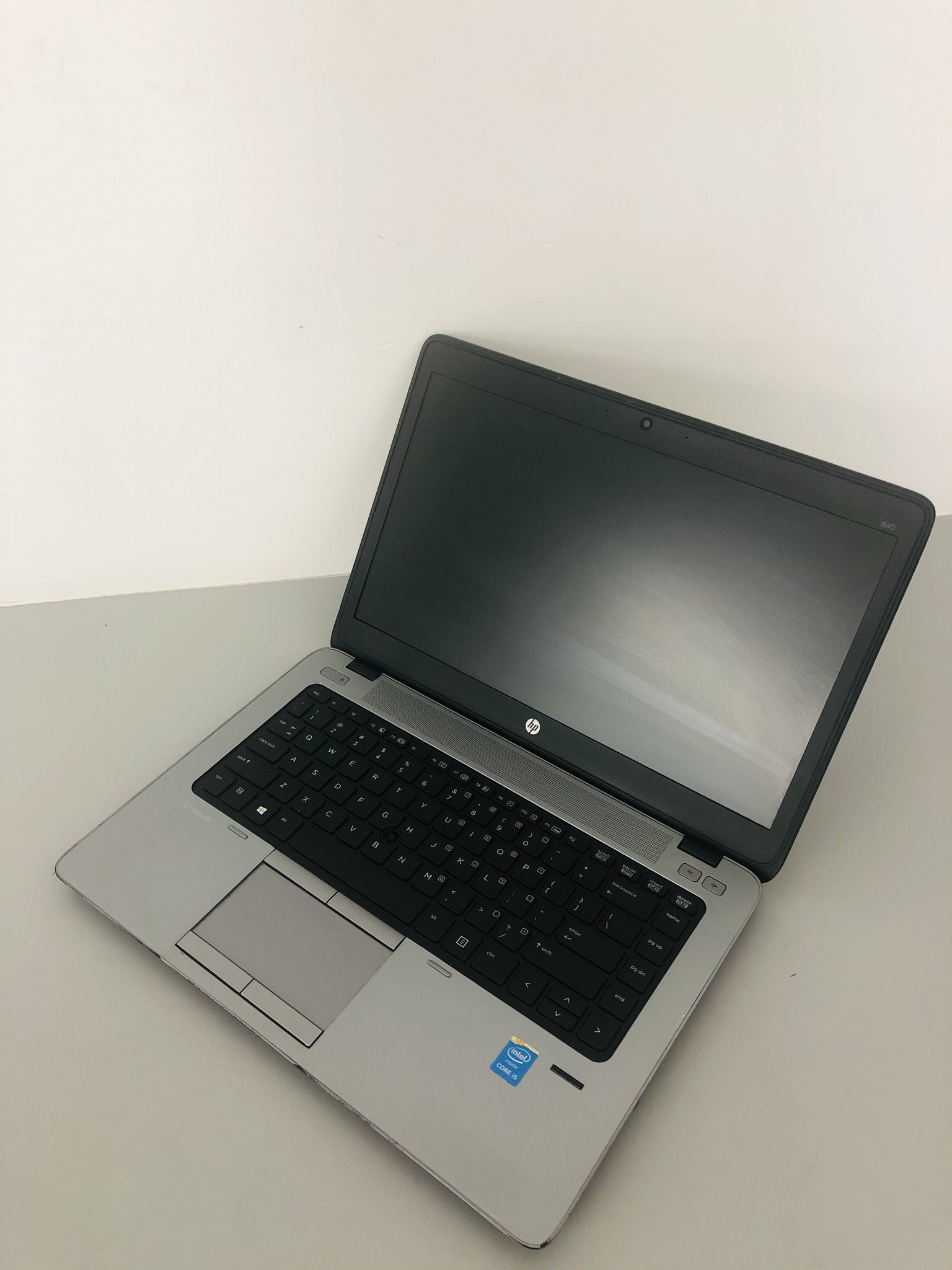 "B-Grade HP EliteBook 840 G1 Ex Lease Laptop i5-4210U 1.7GHz (TurboBoost to 2.7 GHz) 4GB RAM 500GB HDD 14"" WebCam Windows 10 Home(Blemish on screen/touchpad button not working)"