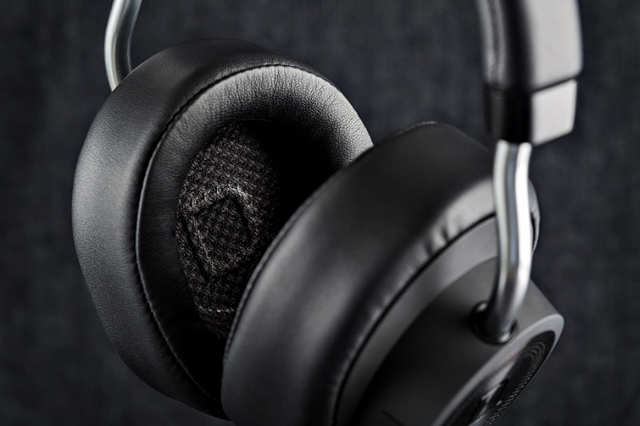 Definitive symphony 1 over ear bluetooth