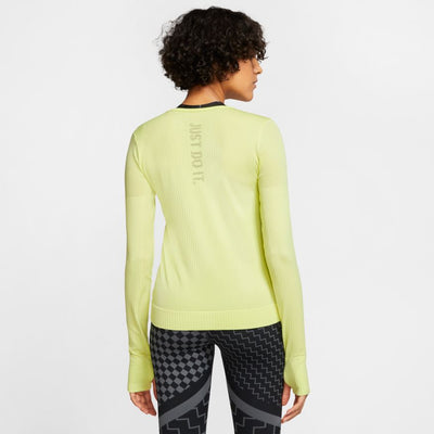 Nike Infinite top LS (Women's)