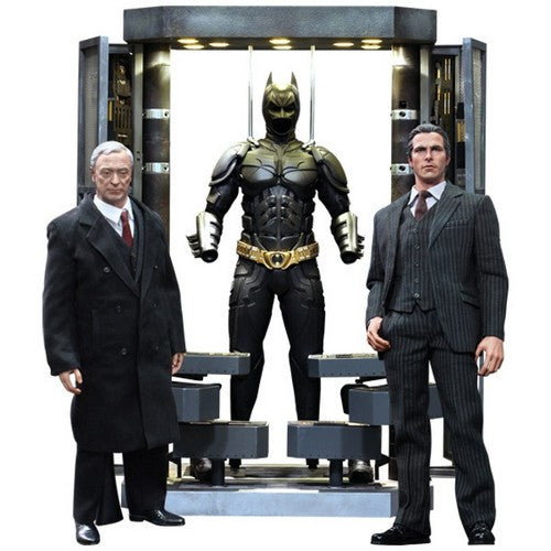1:6 Batman : The Dark Knight - Batman Armoury with Bruce Wayne & Alfred Set MMS236 Hot Toys