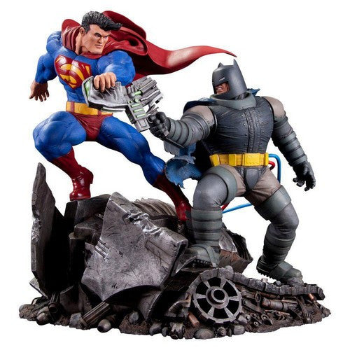 Batman : The Dark Knight Returns - Superman vs Batman Statue DC Collectibles