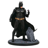 "9"" Batman : Dark Knight - Batman PVC Diorama Statue Diamond Select Toys"