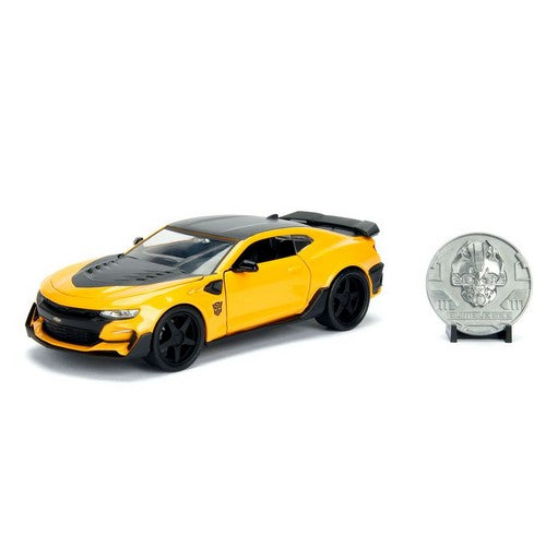 1:24 Transformers 5 : The Last Knight - Diecast Bumblebee 2016 Chevy Camaro Hollywood Rides with Coin Jada Toys