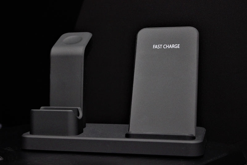 Wireless Charging Stand 3 in 1 (Fast Charging)