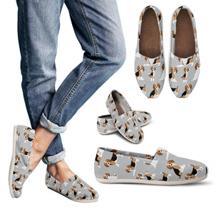 Cute Beagles On Gray Women's Casual Shoes