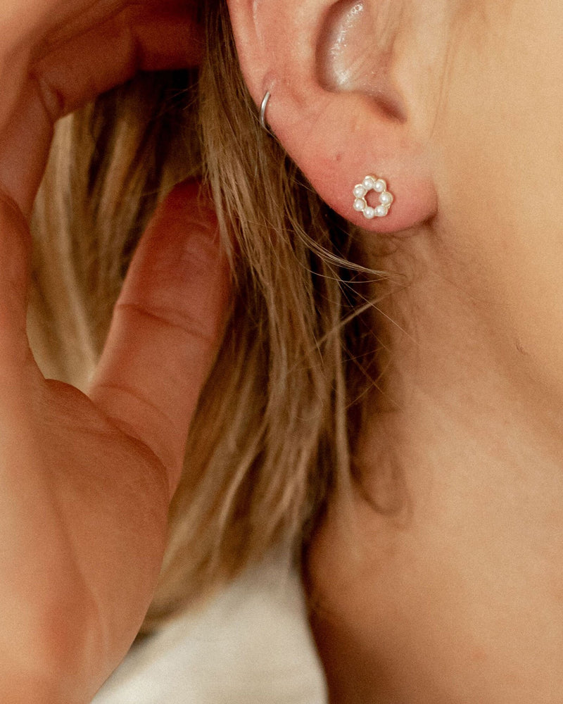 Kayla Pearl Stud Earrings