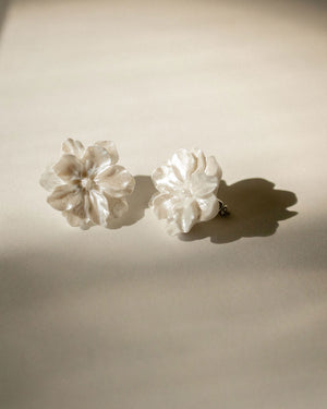 Helina White Floral Earrings