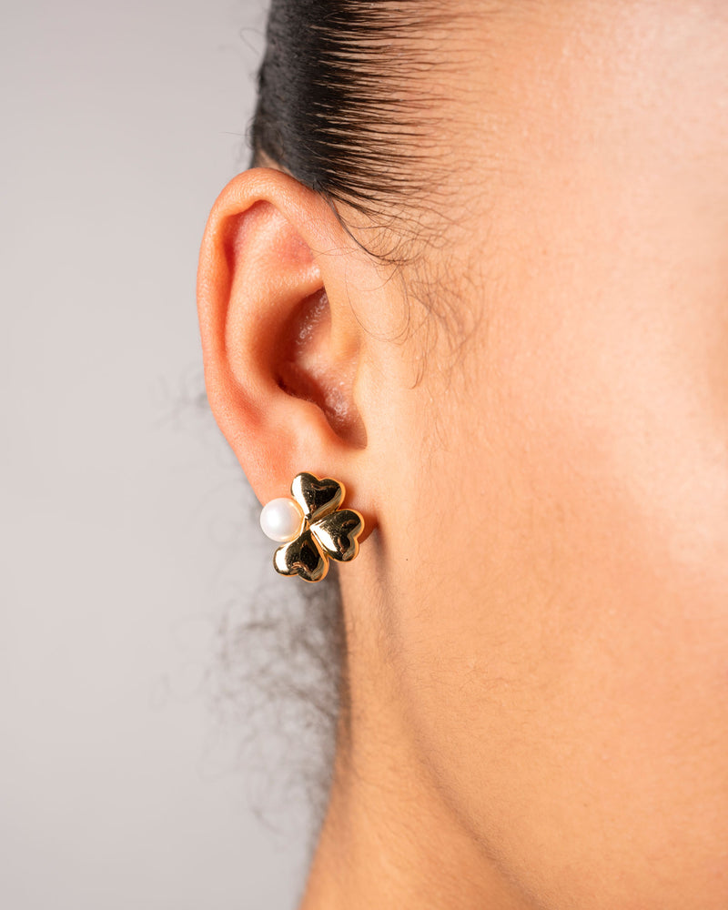 Amu Floral Earrings