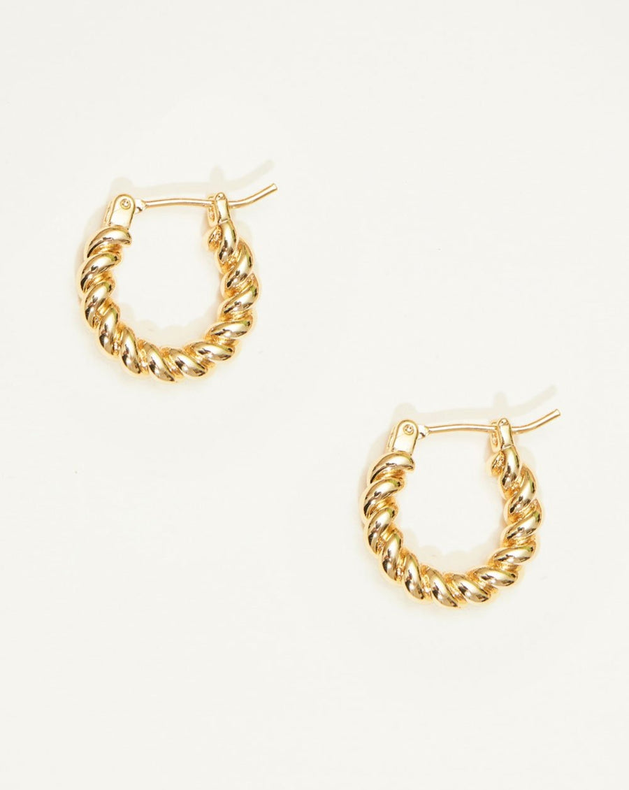 Mucho Twirl Huggie Earrings