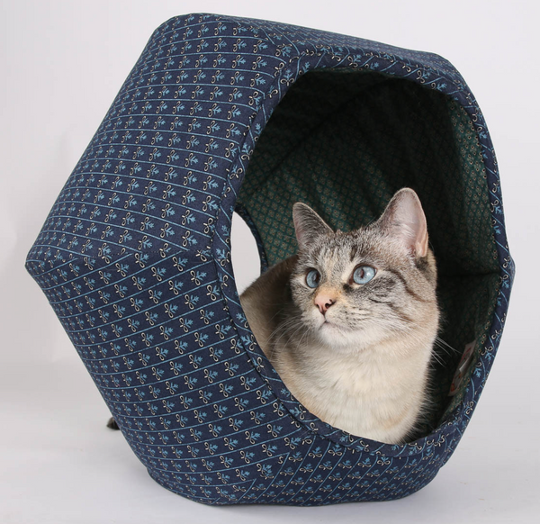The Cat Ball | Hexagonal cat bed in Navy and Teal