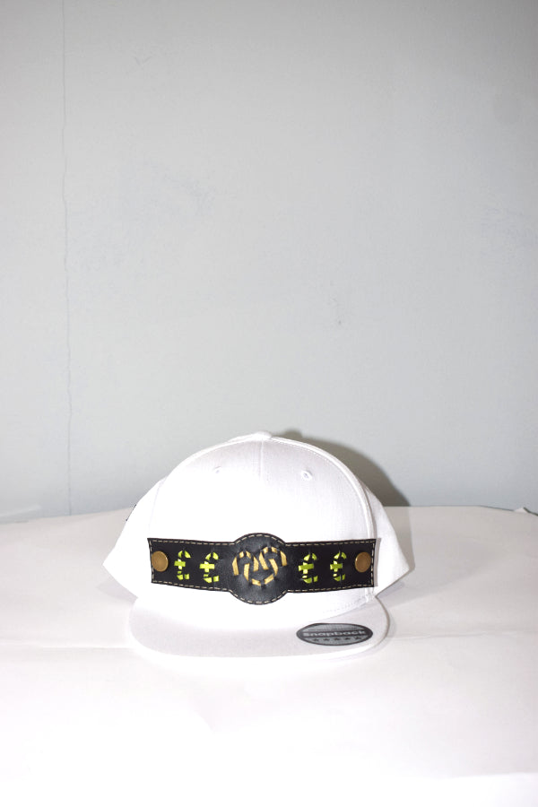 button cross snapback (white)