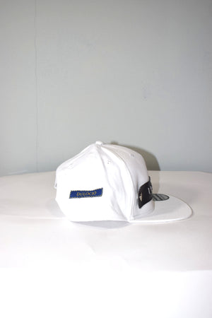 button cross snapback white