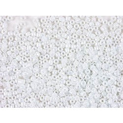 Rico Rocaille Iridescent White 2mm2mm