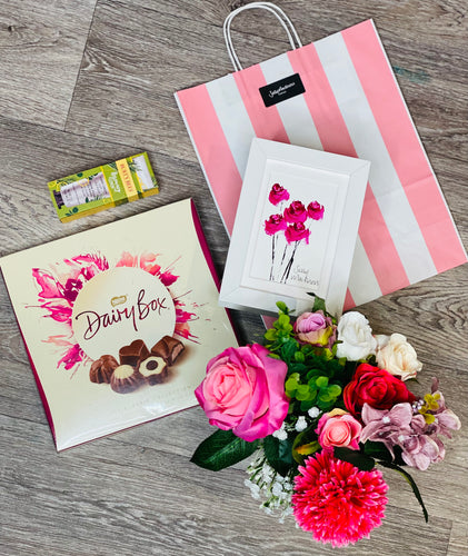 Mother's Day Gift Set with 'Pink Roses'