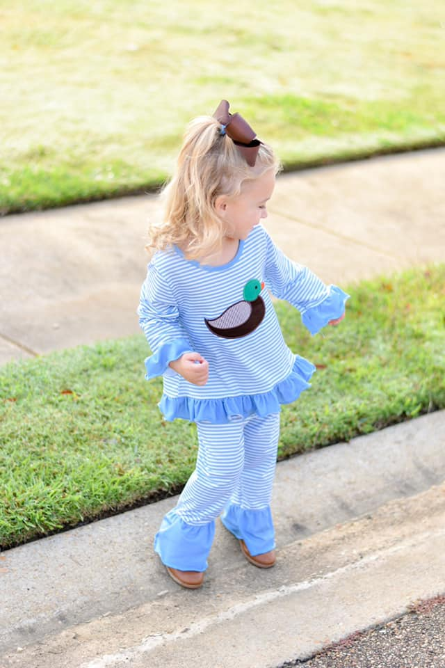 girls duck applique knit pant set