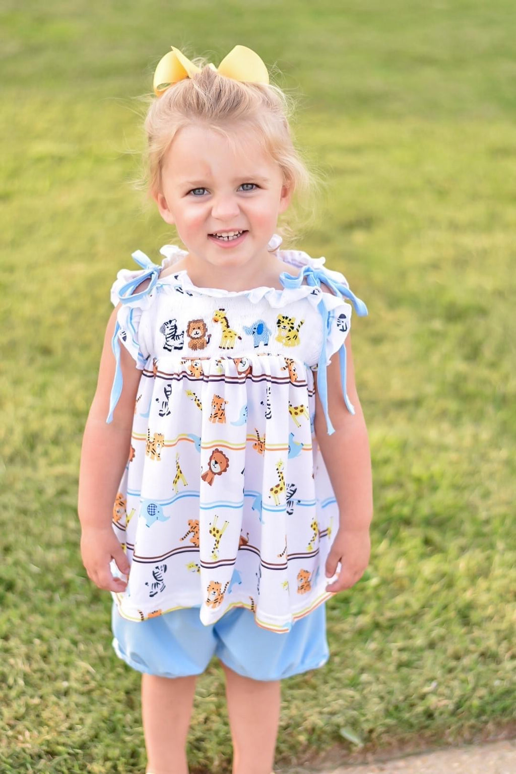girls zoo bubble short smocked set
