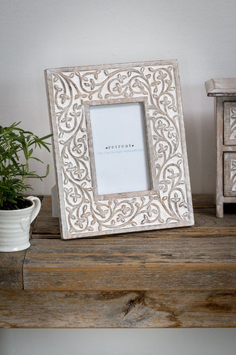 Antique White Leaf Frame