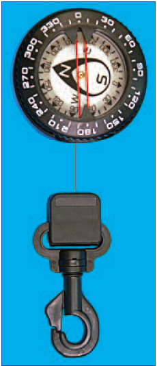 Trident Retractor Compass with Clip