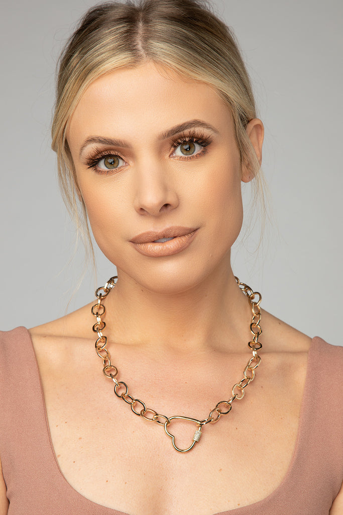 Lucy Chained Heart Necklace - Gold