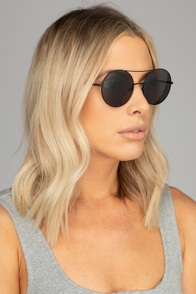 Capri Round Double Ridge Sunglasses - Black