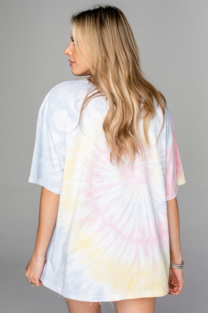 Groovy Tie-Dye Oversized Graphic Tee - Travel Addict
