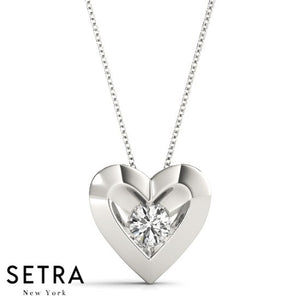 Round Cut Diamond Solitary Heart Necklace 14kt Gold
