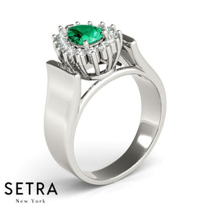 HALO RIGHT HAND 14kt PEAR CUT EMERALD & DIAMONDS RING