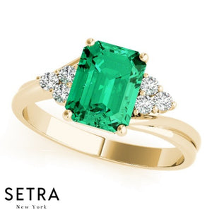 ELEGANT RIGHT HAND 14kt EMERALD & DIAMONDS RING
