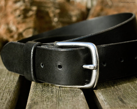 the earthworks classic black leather belt - earthworks journals - ECLB001