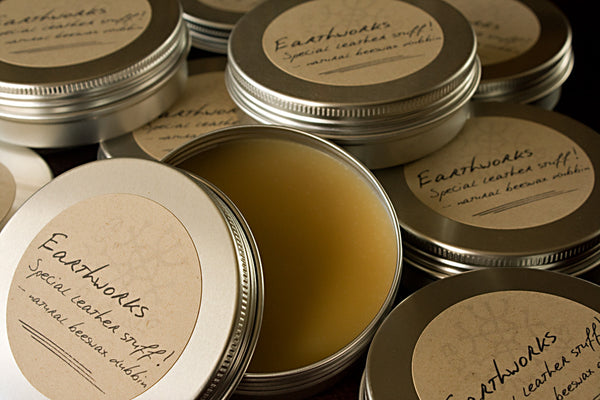 Earthworks special leather stuff 4 - natural beeswax dubbin - earthworks journals