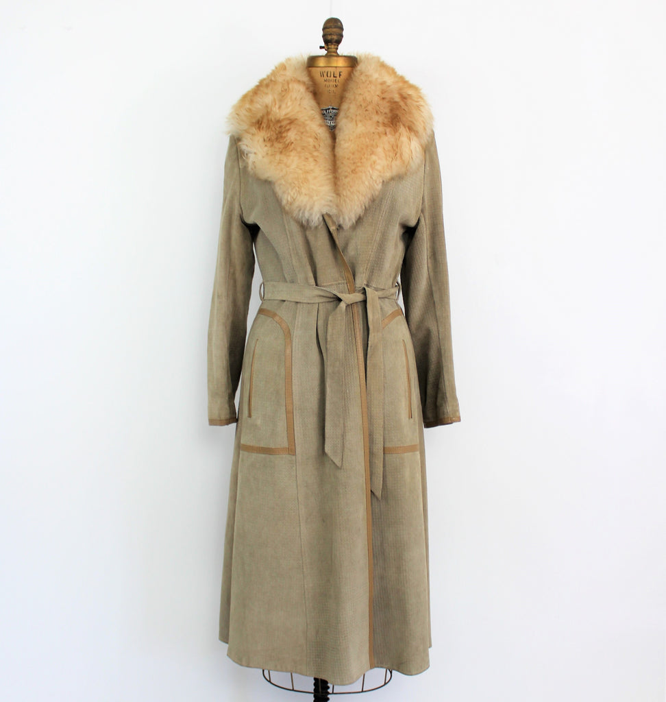 Vintage 1970's Exclusive Beige Suede Leather Lamb Collar Coat