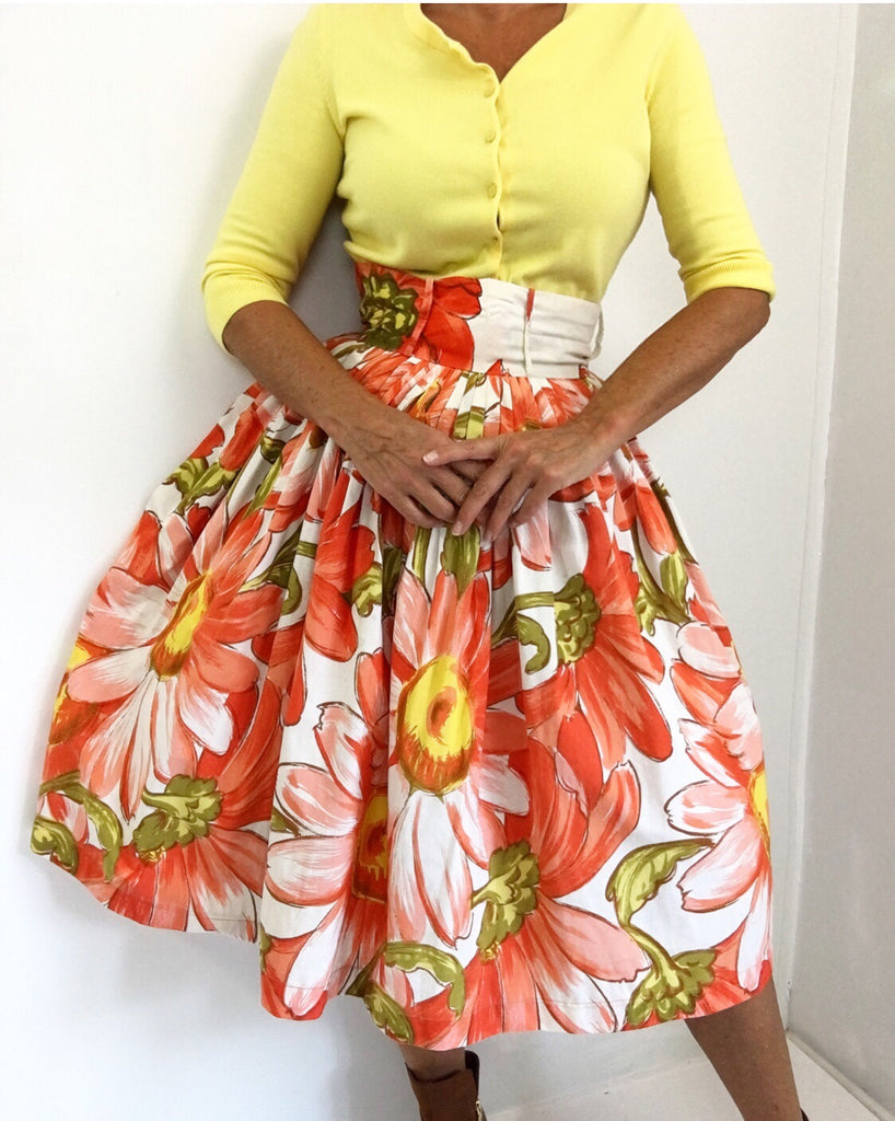 Vintage 1950's Novelty Print Cotton Skirt W/Oversized Floral Print