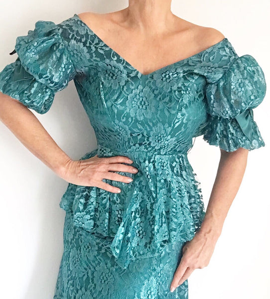 Vintage 60s Emerald Green Lace Peplum Dress
