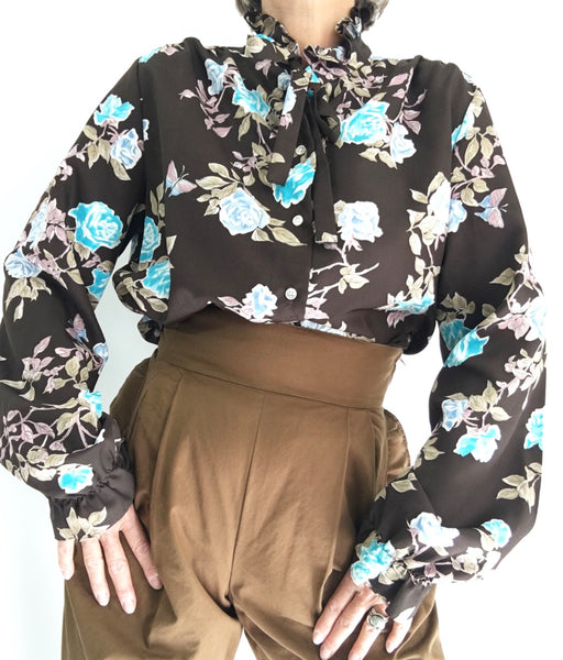 Vintage 70s Floral Ruffled High collar Blouse