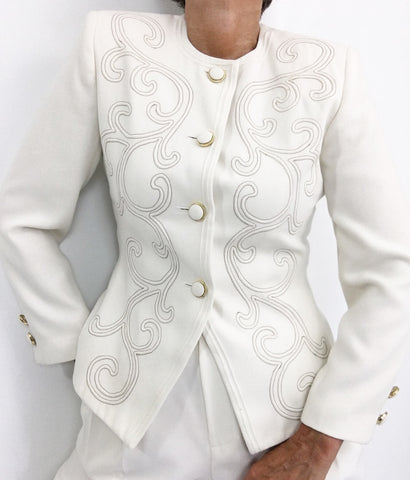 Vintage Off white Classic Short Blazer W/Embroidery