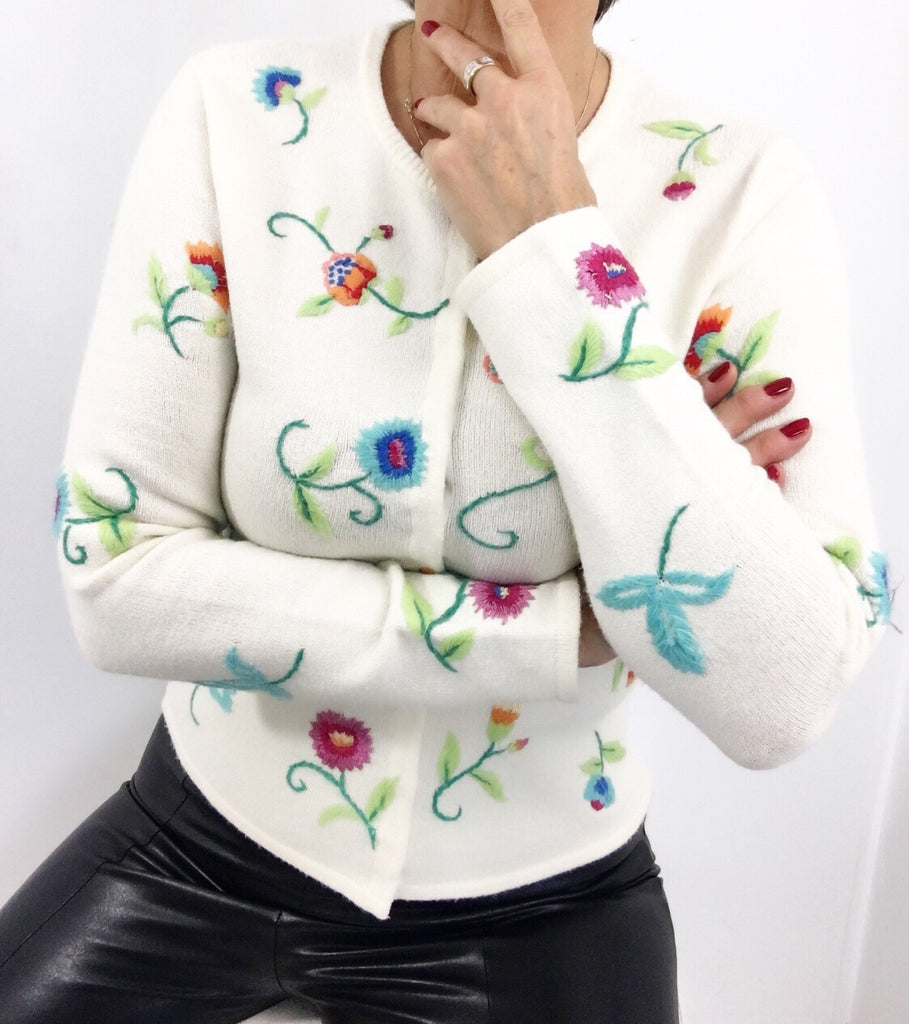 Vintage Sweater Cardigan w/ Floral Embroidery