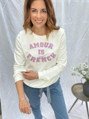 AMOUR IS FRENCH SWEATSHIRT IN LILAC