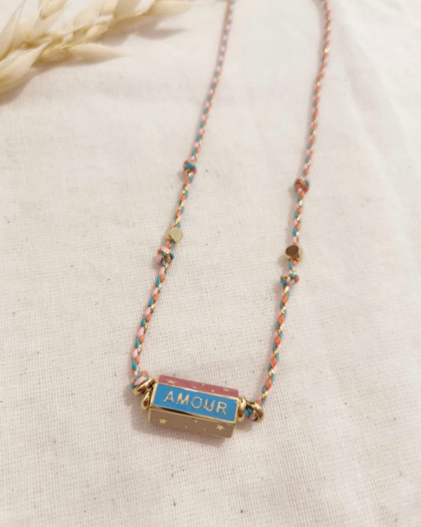 HAPPY AMOUR DREAM BAR NECKLACE WITH PINK ROPE