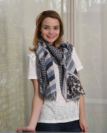LUCIA SCARF IN BLUE