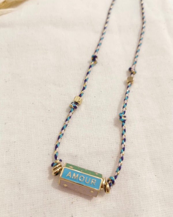 HAPPY AMOUR DREAM BAR NECKLACE WITH BLUE ROPE