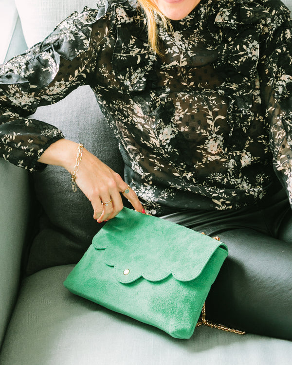 LOLA CLUTCH IN EMERALD GREEN
