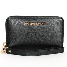 MICHAEL KORS Soft Venus Large Flat Multi-Function Black Phone Case