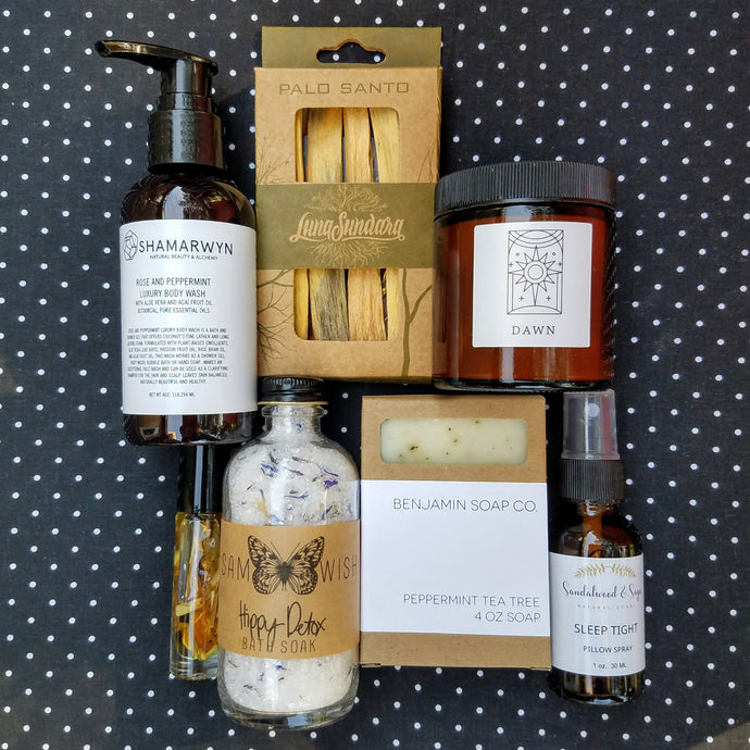 MOTHER'S DAY NATURAL & ESSENTIAL BOX