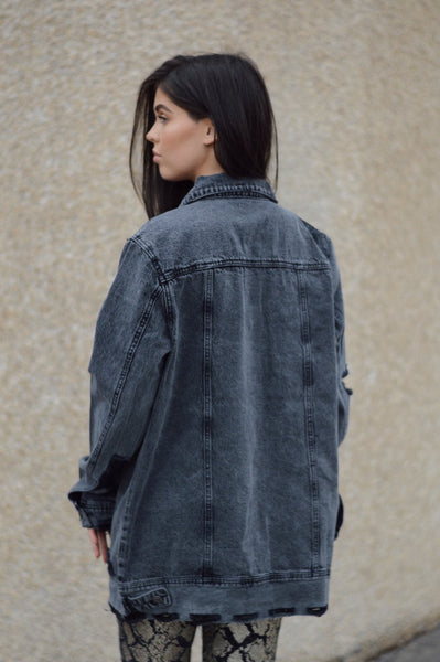 BLACK DENIM DISTRESSED BOYFRIEND JACKET