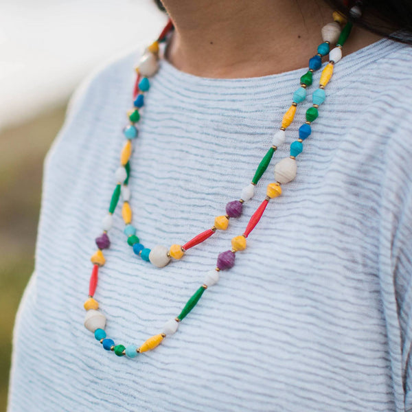 Wanderer necklace in multicolor strands