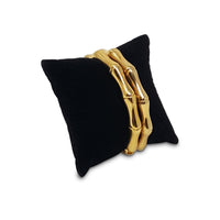 #11-2 Bracelet Pillow Display