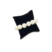 #11-3 Bracelet Pillow Display