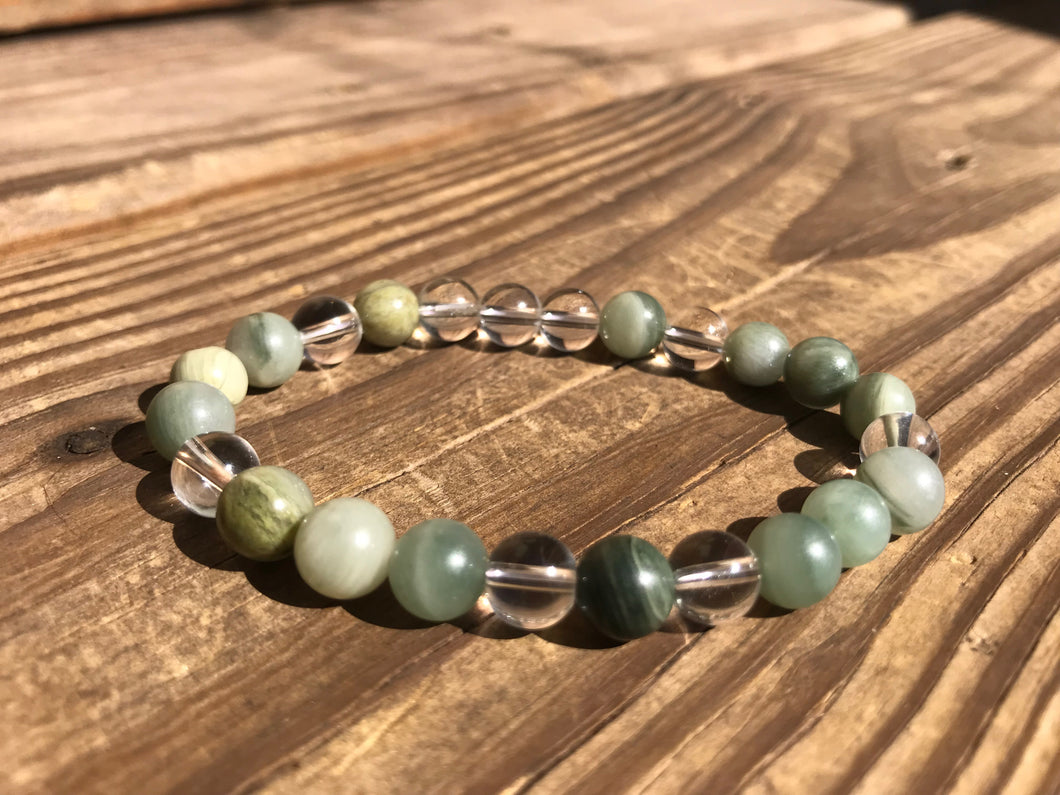 Beautiful Green Line Jasper & Quartz Crystal Healing Mala Bracelet.