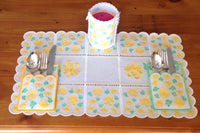 P131_free standing lace table set