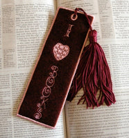 P017-In the Hoop Felt Book mark, I Love Books